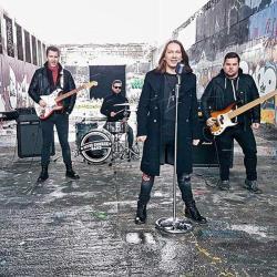 Peter Cmorik & band